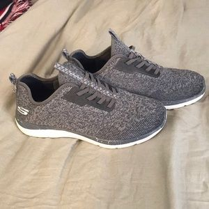 Sketchers Relaxed Fit Sneakers